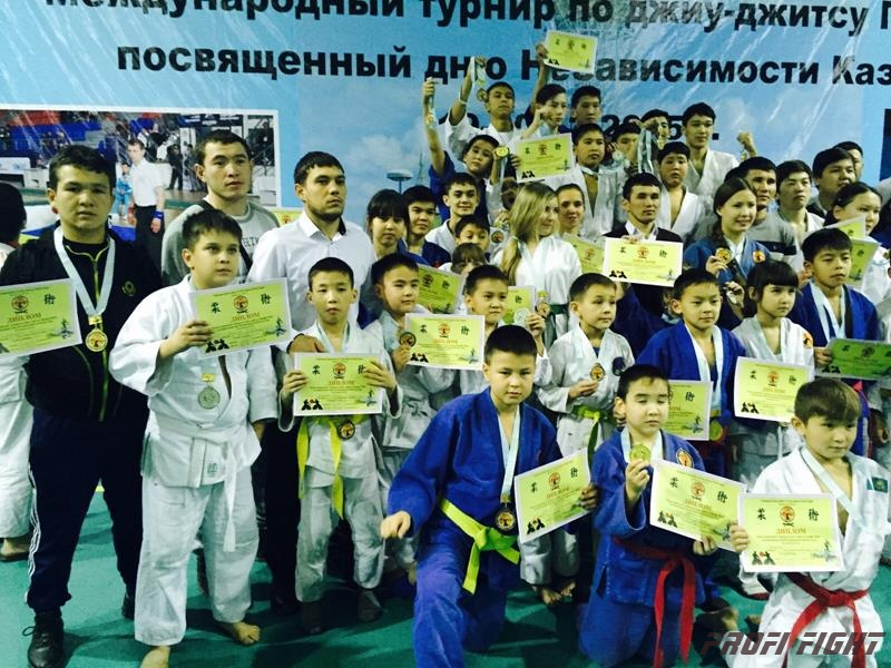 Международный турнир по джиу-джитсу Профи Файт. Алматы. 19-20 декабря 20151689