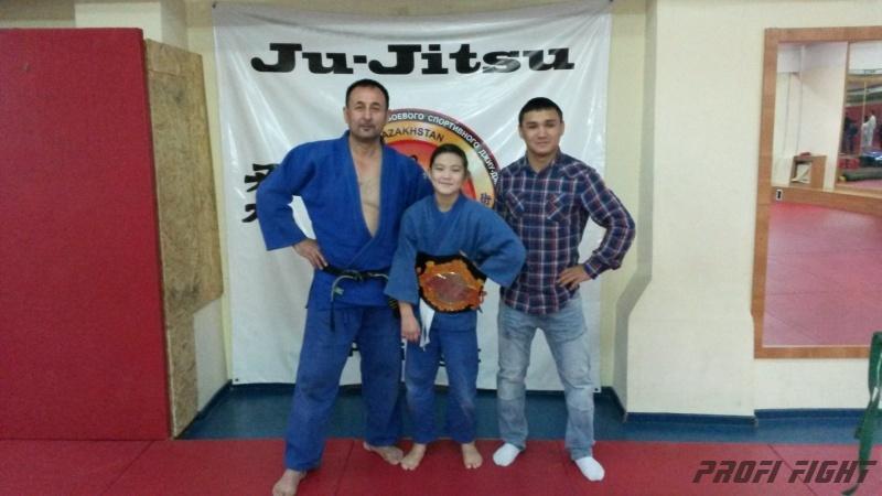 Кайрат Ахметов на тренировке детей Profi Fight1664